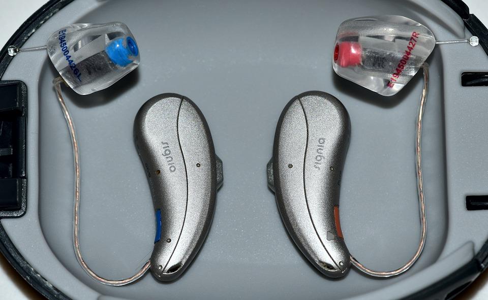 Les appareils auditifs invisibles, pour entendre parfaitement